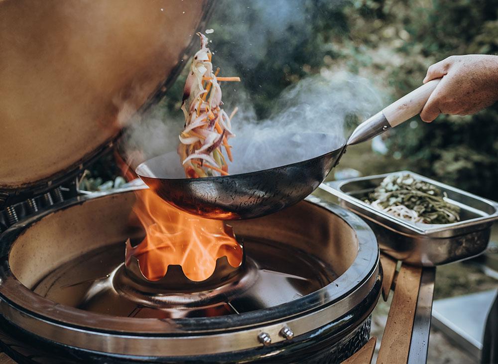 Азиатская кухня на гриле Monolith🍝